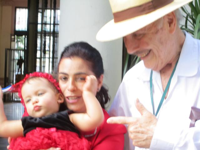 Adriana Pérez, wife of Gerardo Hernández Cuban 5, & daughter Gema, Feb. 2016