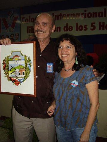 Holguín escudo award 2008, with Alicia Jrapko